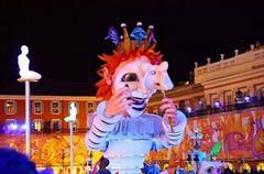 Ницца - Огромная кукла из папье-маше