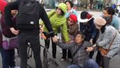 Корейский турист попал под велосипед - на Дворцовой