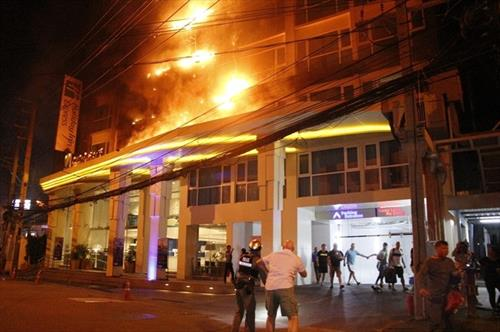 В Паттайе сгорел Holiday Inn