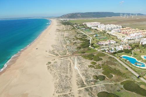 Обезумившие чиновники залили пляжи Испании хлоркой