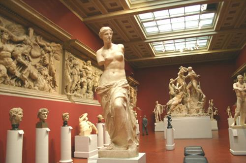 Работники музеев рассказали о массовых сексуальных домогательствах