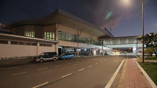 Лайнер Azur Air вернулся с туристами в аэропорт Камрани