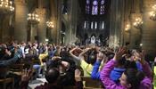 В соборе Парижской Богоматери заблокировали 900 человек