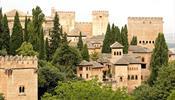 Альгамбра впечатляет