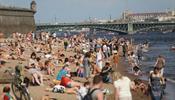 Петербург стал летним курортом –