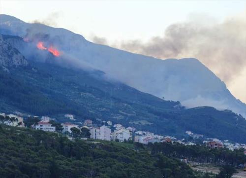 Туристов эвакуируют в Хорватии. Пожары
