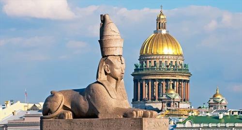 Роль туристов в С-Петербурге исполнят местные жители