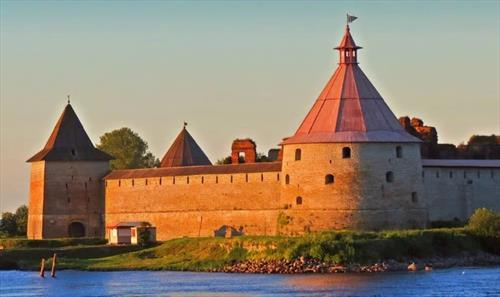 """В Ленобласти запустили маршрут по """"Петровским"""" городам"""