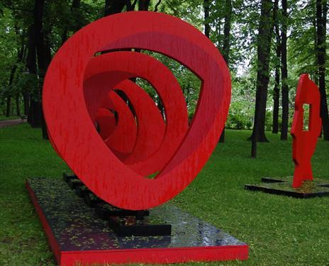 Авангардное вдохновение в Михайловском саду