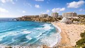 На Мальте места хватает всем любителям пляжного отдыха