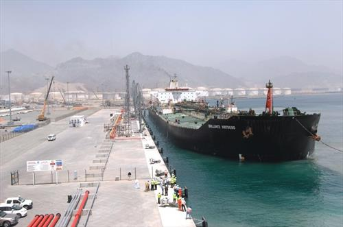В Фуджейре отрицают сообщения о пожаре и взрывах на танкерах