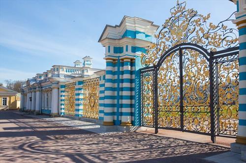 Музеи-заповедники под С-Петербургом в финансовой «дыре» - им рекомендуют повышение цен