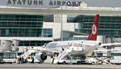 Взрывы и перестрелка в аэропорту Стамбула