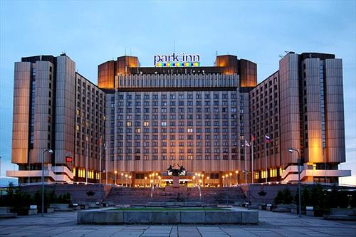 Китайцы перепродали Radisson'ы и Park Inn'ы друг другу
