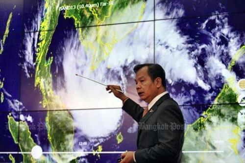 На Пхукет и Самуи идет жестокий шторм